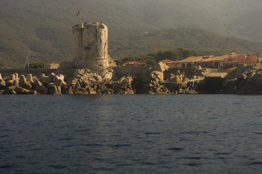immersione secca della torre isola d' elba